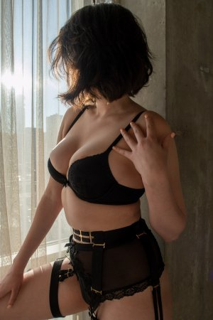 Elorah call girl in Bourbonnais Illinois