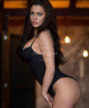 Asmin live escort in Redding