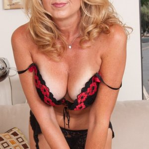 Linaelle escort girl